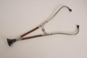 biaural stethoscope designed by Camman around 1900